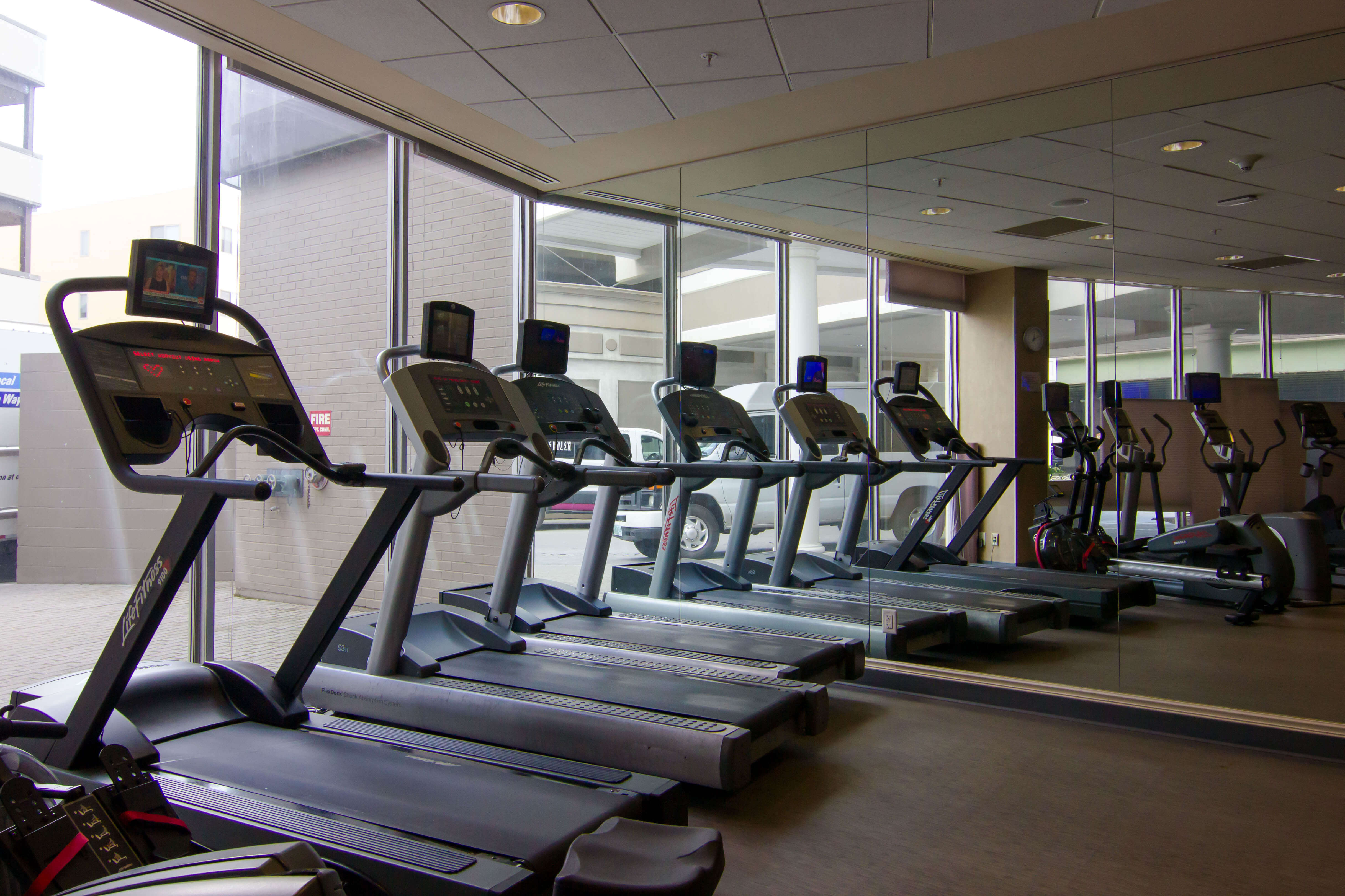 Hotels in Syracuse NY with Gyms