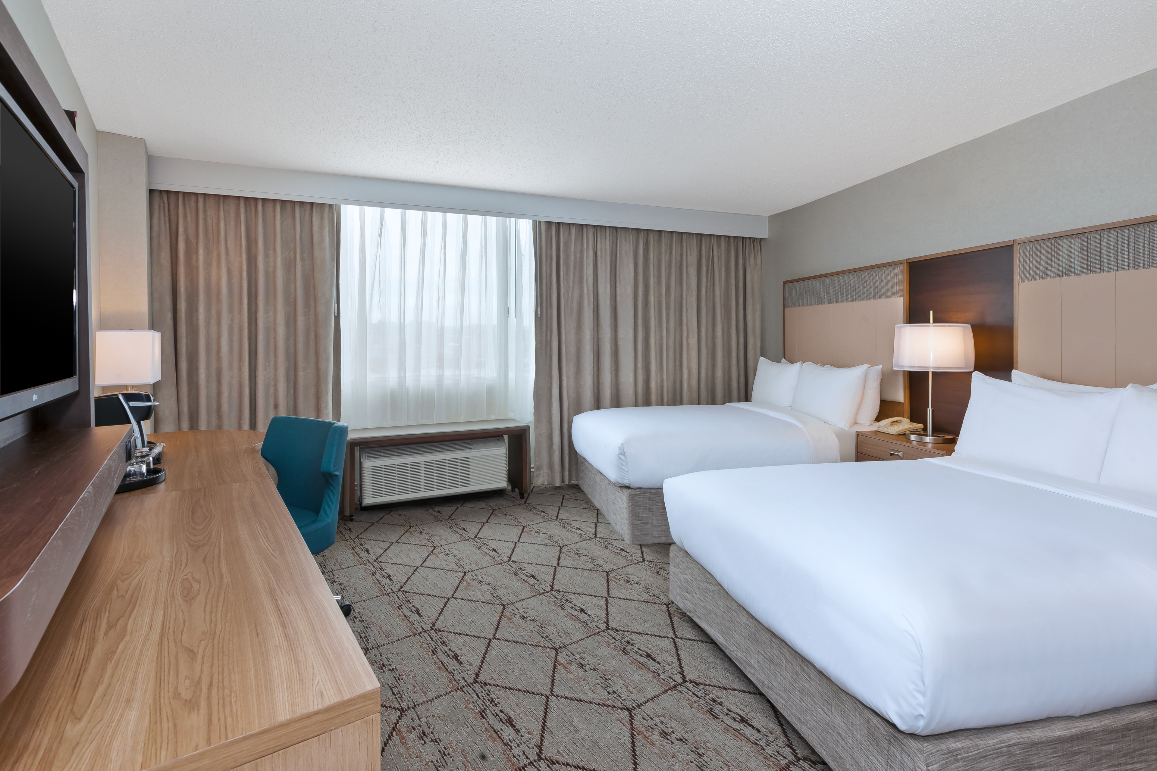 syracuse luxury hotels crowne plaza